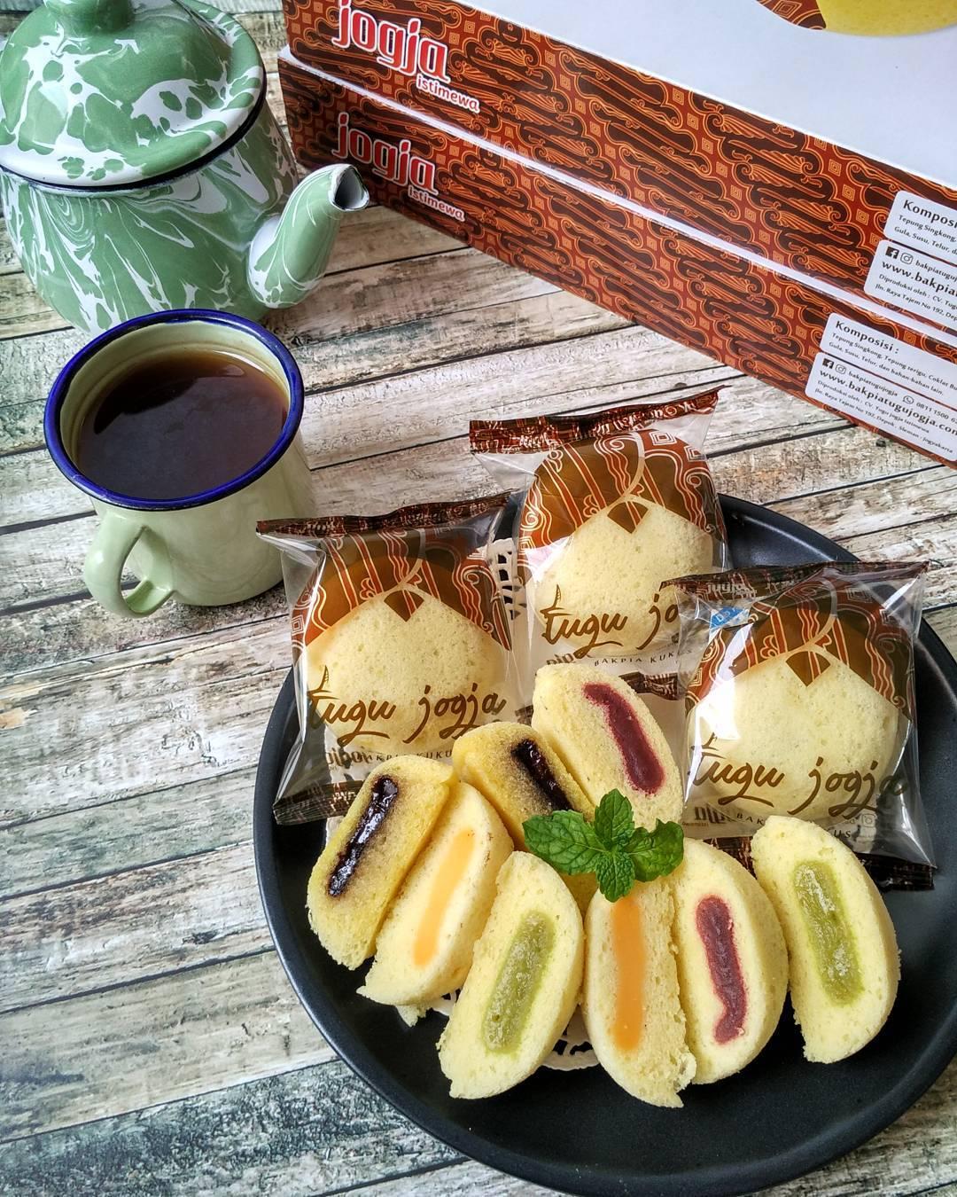 Bakpia Kukus Tugu Jogja, Yogyakarta, Dolan Dolen, Dolaners Bakpia Kukus Tugu Jogja via dhita nurlitasari - Dolan Dolen