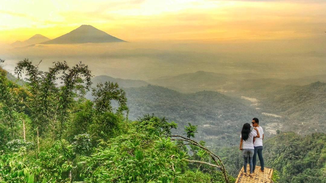 Bukit Isis, Bukit Isis Yogyakarta, Yogyakarta, Dolan Dolen, Dolaners Bukit Isis via ria - Dolan Dolen