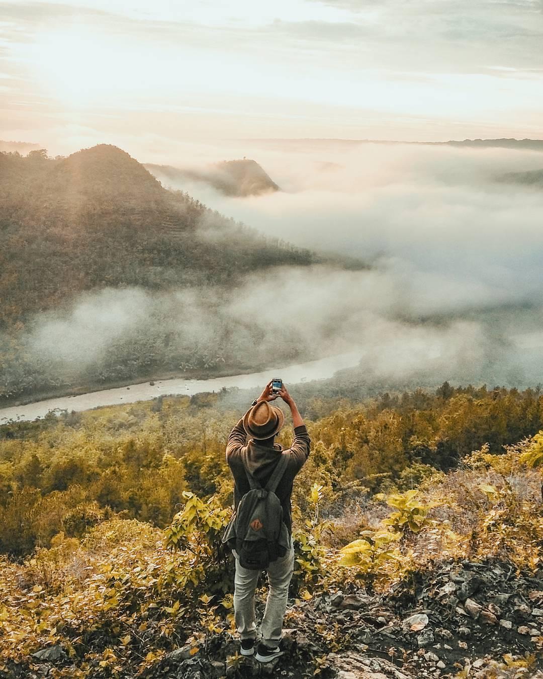 Bukit Panguk Kediwung, Bukit Panguk Kediwung Yogyakarta, Yogyakarta, Dolan Dolen, Dolaners Bukit Panguk Kediwung via algi alfahri - Dolan Dolen
