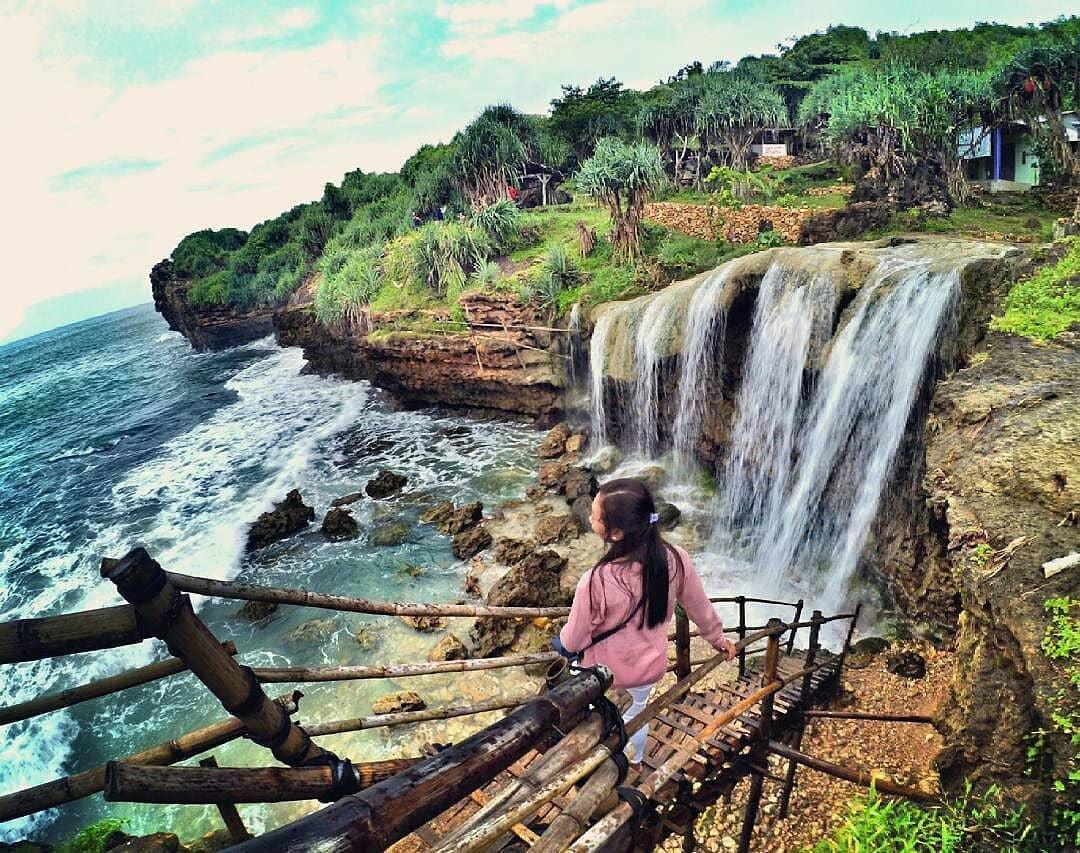 Pantai Jogan, Pantai Jogan Yogyakarta, Yogyakarta, Dolan Dolen, Dolaners Pantai Jogan by alvionitacaprina - Dolan Dolen