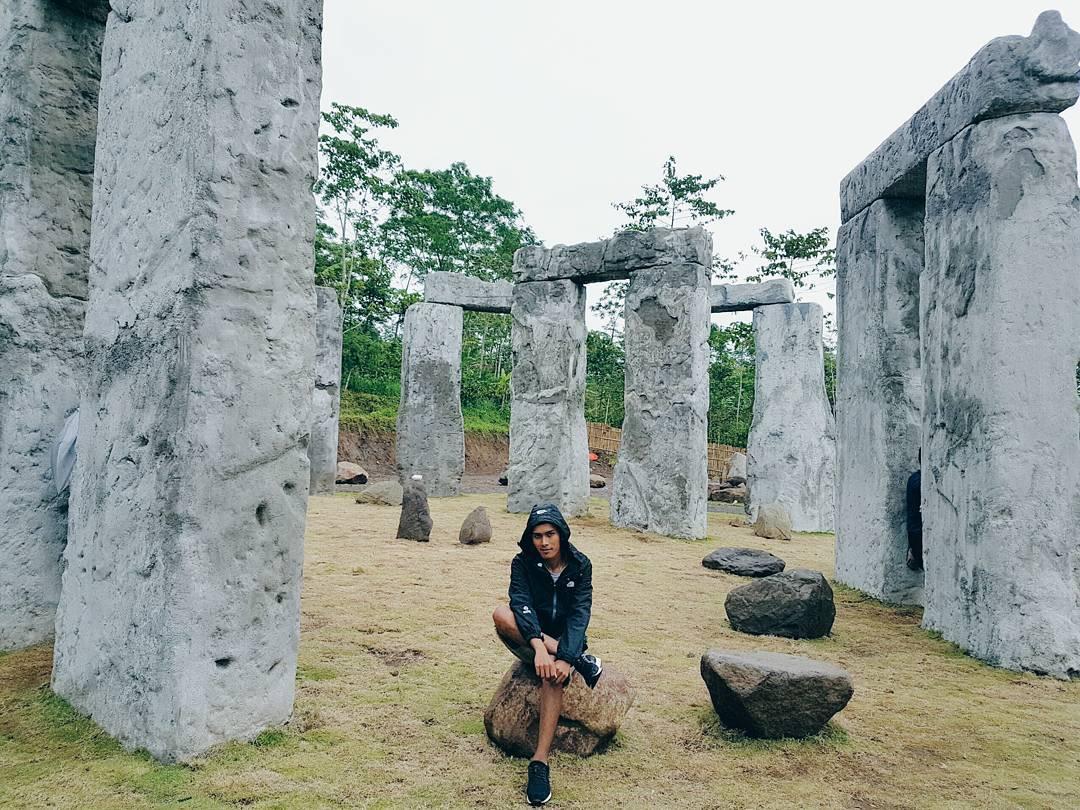 Stonehenge Merapi, Stonehenge Merapi Yogyakarta, Yogyakarta, Dolan Dolen, Dolaners Stonehenge Merapi via khaixstan - Dolan Dolen