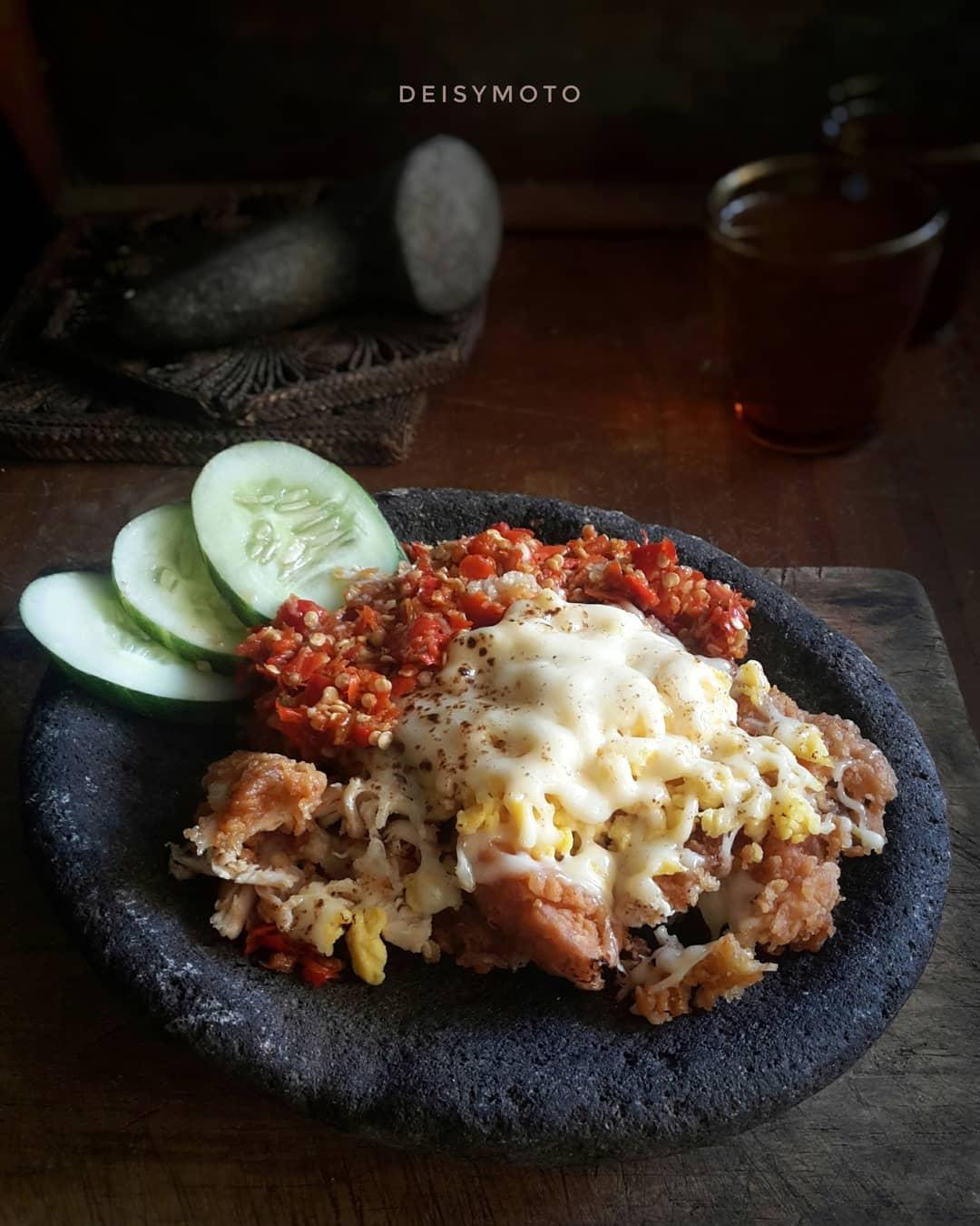 Ayam Geprek Bensu Malang, Malang, Kota Malang, Dolan Dolen, Dolaners Ayam Geprek Bensu Malang via deisy arkamasmom - Dolan Dolen