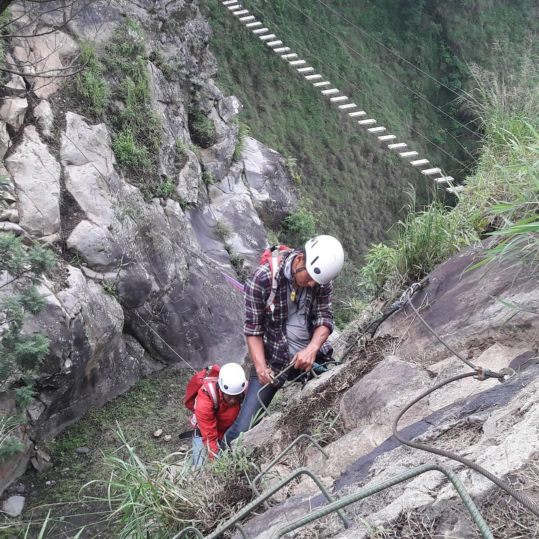 Rock Climbing, Rock Climbing Malang, Malang, Kabupaten Malang, Dolan Dolen, Dolaners Climbing via adiruswin - Dolan Dolen