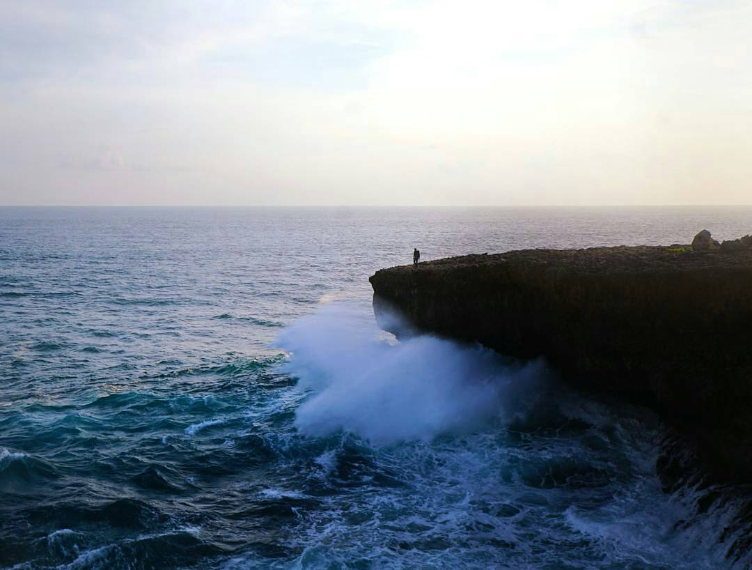Deru Birunya Ombak Laut Selatan, Malang, Kabupaten Malang, Dolan Dolen, Dolaners Haru Birunya Ombak Laut Selatan by sambinar - Dolan Dolen