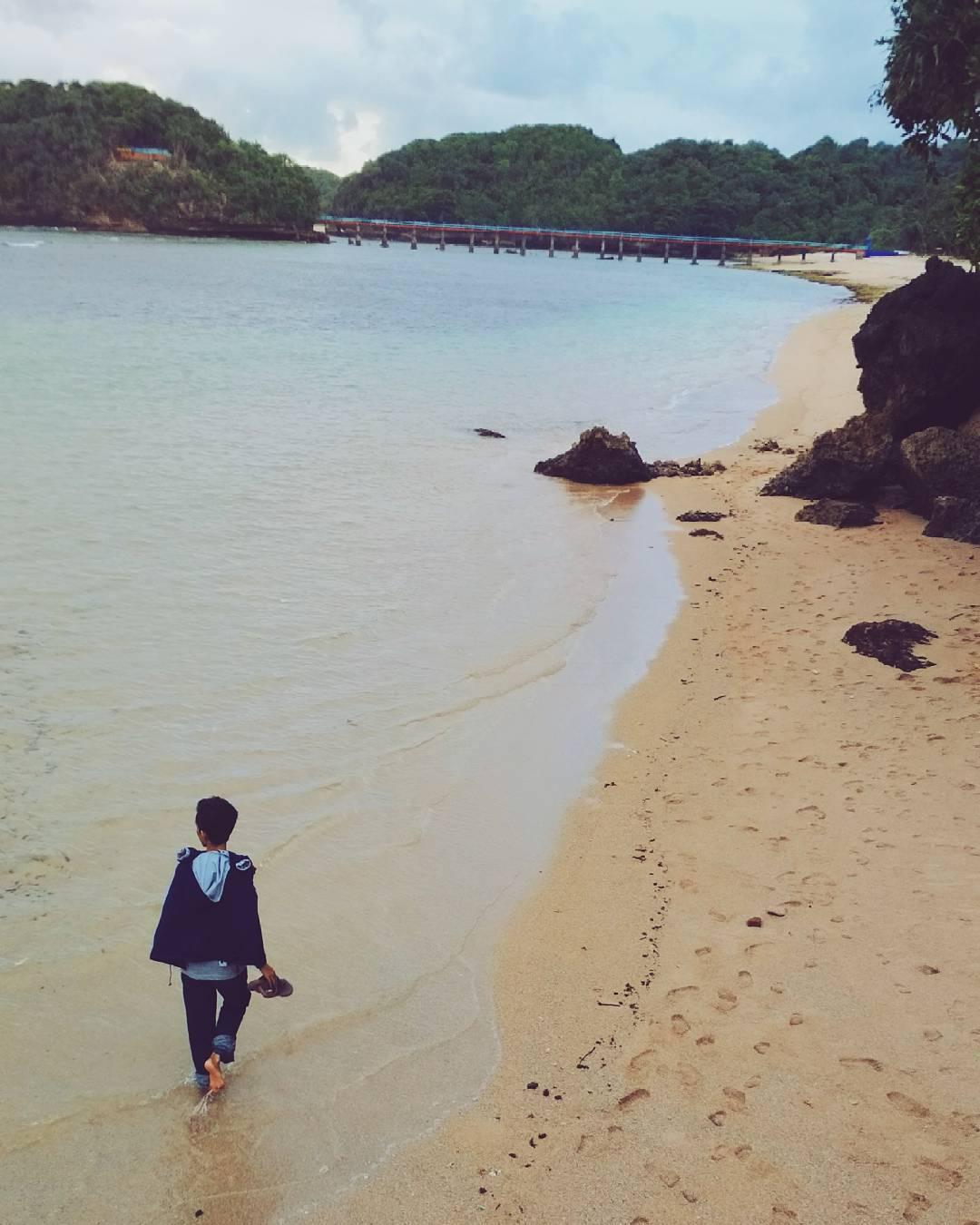 Menyusuri Pantai, Menyusuri Pantai Malang, Kabupaten Malang, Dolan Dolen, Dolaners Menyusuri Pantai by monalisaachyan - Dolan Dolen