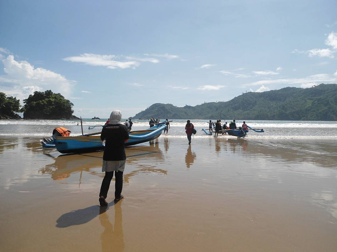 Berawal dari Pantai Lenggoksono, Malang, Kabupaten Malang, Dolan Dolen, Dolaners Berawal dari Pantai Lenggoksono via musimantour - Dolan Dolen