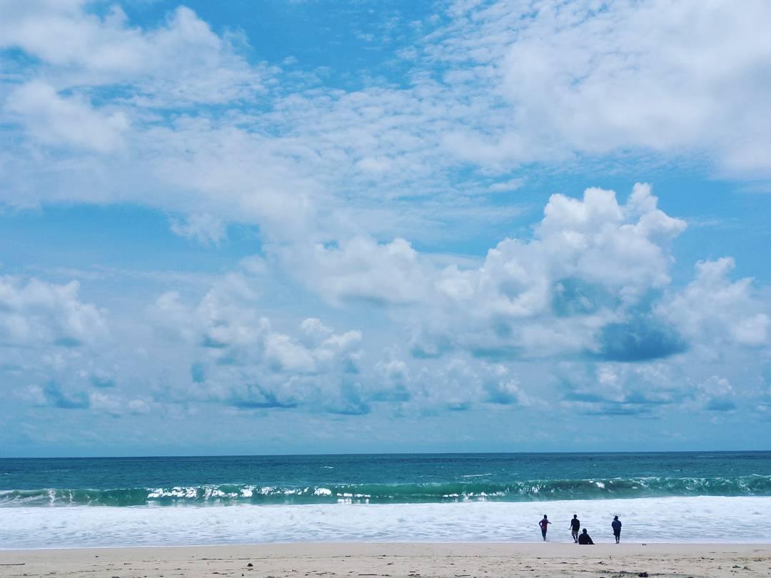 Birunya Pantai Modangan, Malang, Kabupaten Malang, Dolan Dolen, Dolaners Mengharu Birunya Pantai Modangan via niikee francis - Dolan Dolen