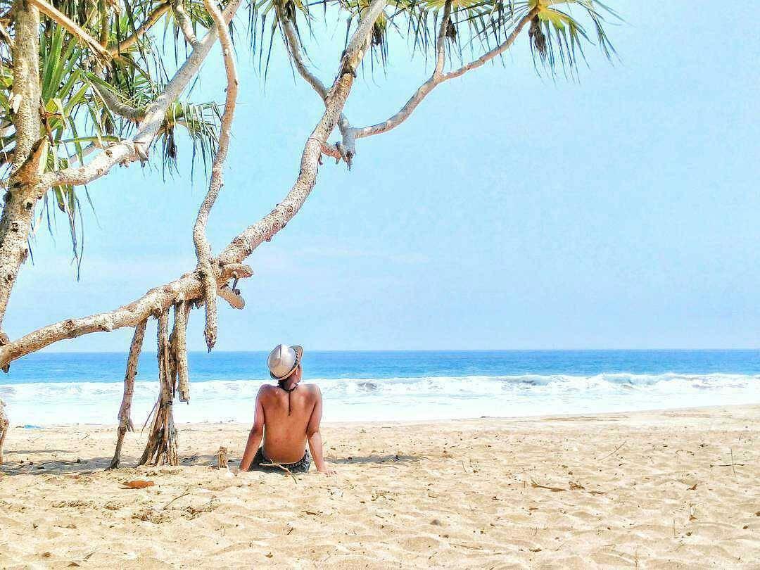 Ombak Laut di Pantai Nganteb, Malang, Kabupaten Malang, Dolan Dolen, Dolaners Ombak Laut di Pantai Nganteb by feryrinaldy - Dolan Dolen