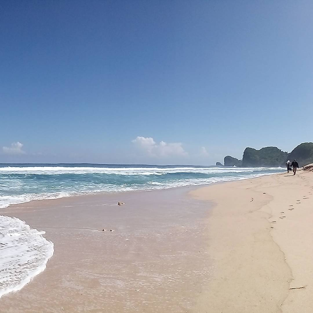 Pantai Tenang Selepas Raga Lelah Menujunya, Malang, Kabupaten Malang, Dolan Dolen, Dolaners Pantai Tenang Selepas Raga Lelah Menujunya via krambilan beach - Dolan Dolen