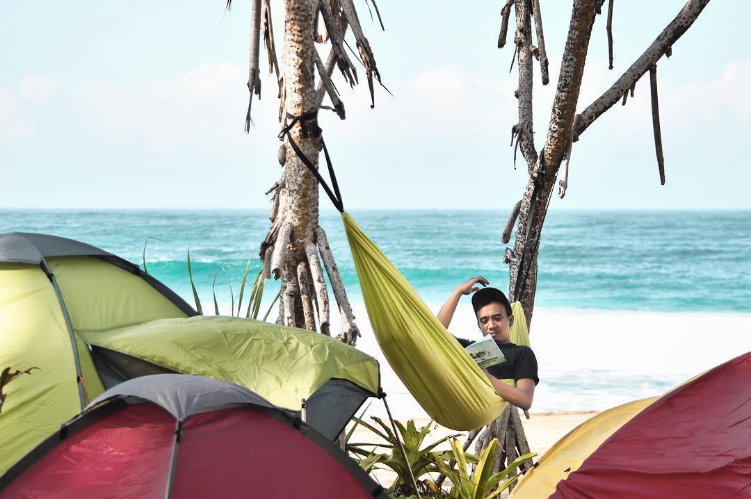 Pantai Tenang untuk Rehat Sejenak, Malang, Kabupaten Malang, Dolan Dolen, Dolaners Pantai Tenang untuk Rehat Sejenak via iwe se - Dolan Dolen