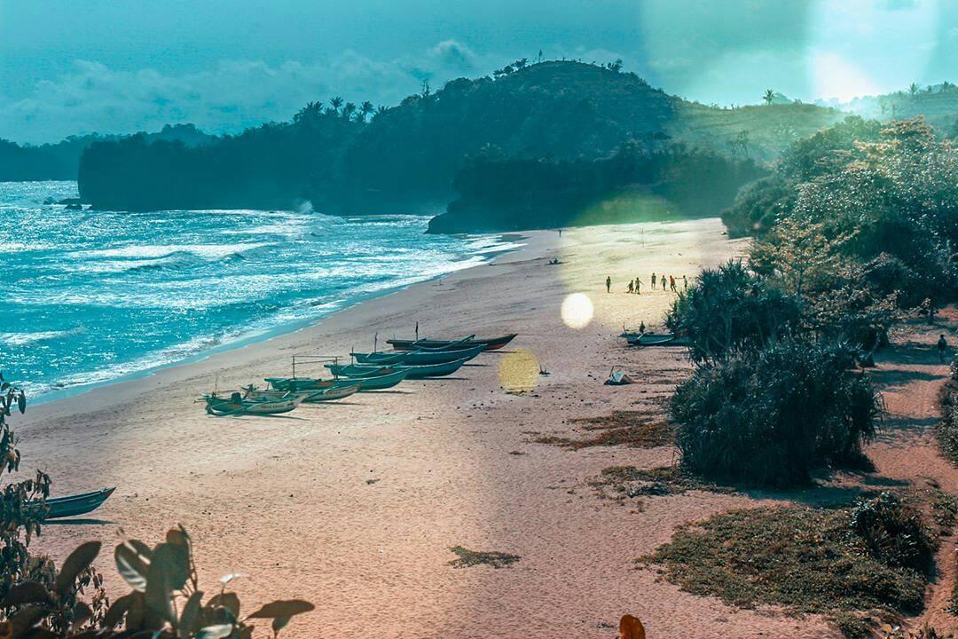 Pantai yang Kaya dengan Hasil Laut, Malang, Kabupaten Malang, Dolan Dolen, Dolaners Pantai yang Kaya dengan Makanan Laut by mrsalasanto - Dolan Dolen