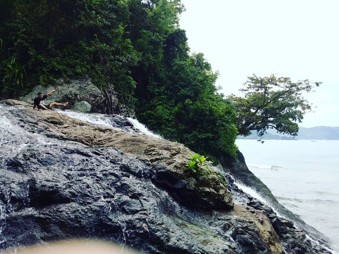 Puncak Tebing Banyu Anjlok, Malang, Kabupaten Malang, Dolan Dolen, Dolaners Puncak Tebing Banyu Anjlok via vianfirmansyah96 - Dolan Dolen