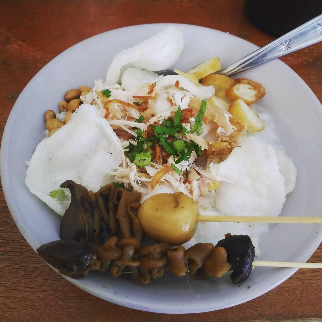 Bubur Ayam Jakarta Bang Yossi, Bubur Ayam Jakarta Bang Yossi Malang, Malang, Kota Malang, Dolan Dolen, Dolaners Bubur Ayam Jakarta Bang Yossi via dhonylastikow - Dolan Dolen