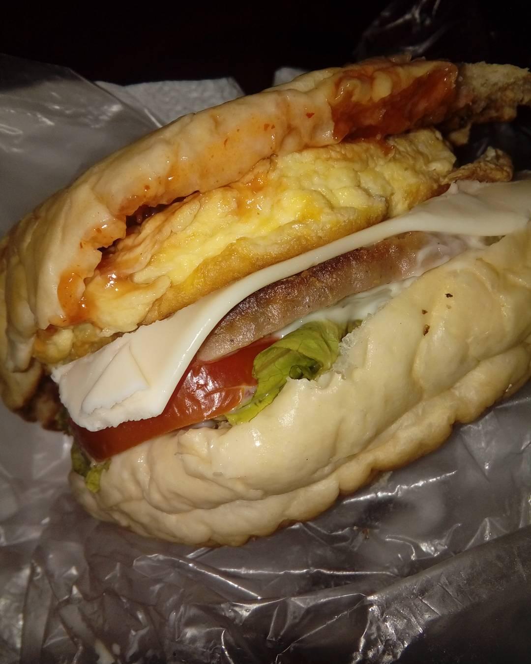 Burger Dennys, Burger Dennys Malang, Malang, Kota Malang, Dolan Dolen, Dolaners Burger Dennys via burgerdennys - Dolan Dolen
