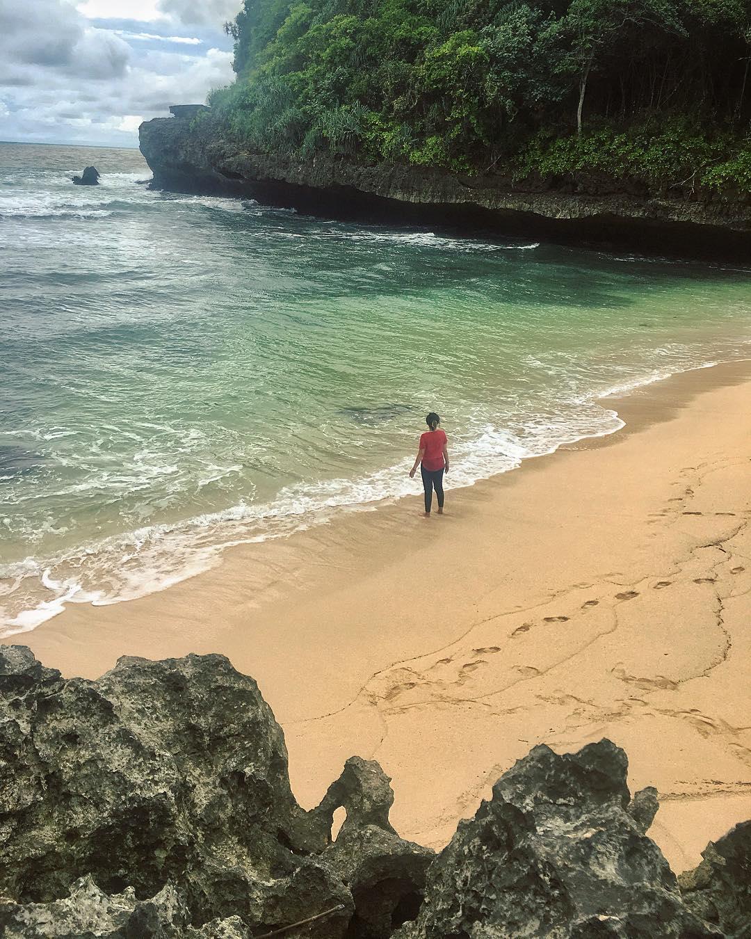 Pantai Ngledakan Ciut Hanya untuk Petualang, Malang, Kabupaten Malang, Dolan Dolen, Dolaners Pantai Ngledakan Ciut Hanya untuk Petualang via mbakprita - Dolan Dolen