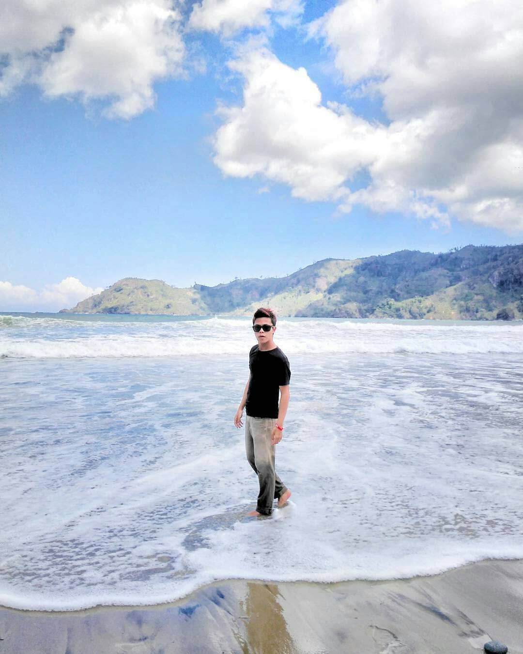 Pantai yang Sanggup Jadi Spot Selfie Super Kece, Malang, Kabupaten Malang, Dolan Dolen, Dolaners Pantai yang Sanggup Jadi Spot Selfie Super Kece by feryrinaldy - Dolan Dolen