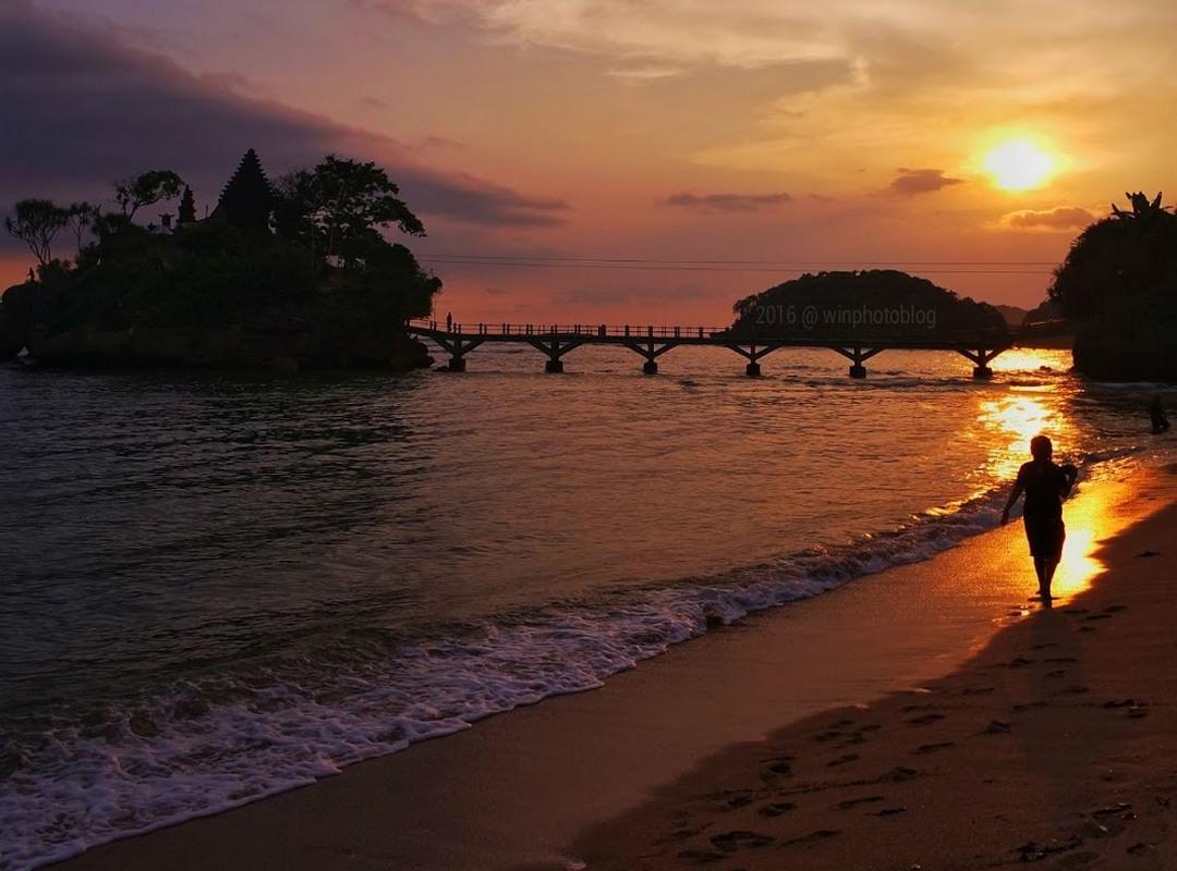 Pantai Balekambang Sunset Pantai Balekambang Sunset - Dolan Dolen