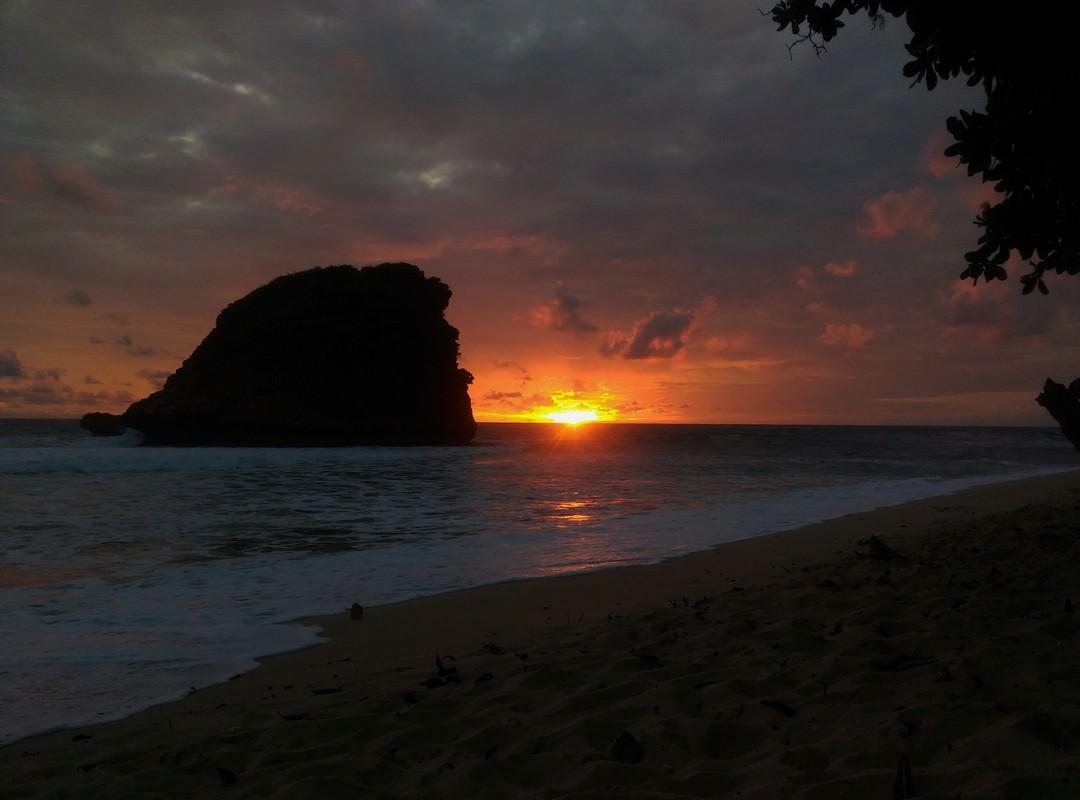 Pantai Ngudel Sunset Pantai Ngudel Sunset - Dolan Dolen