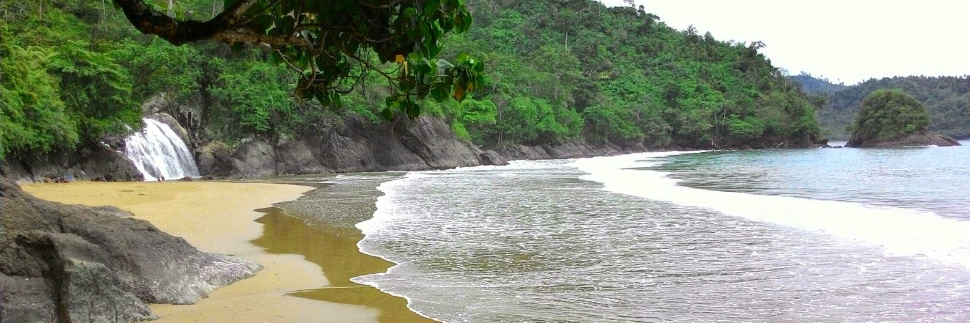 10 Pantai Unik di Malang Raya 10 Pantai Unik di Malang Raya - Dolan Dolen