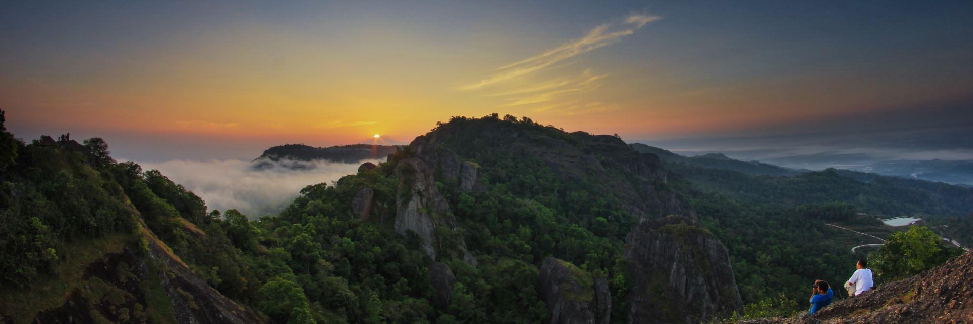 15 Spot Terbaik Sunrise Yogyakarta 15 Spot Terbaik Sunrise Yogyakarta - Dolan Dolen
