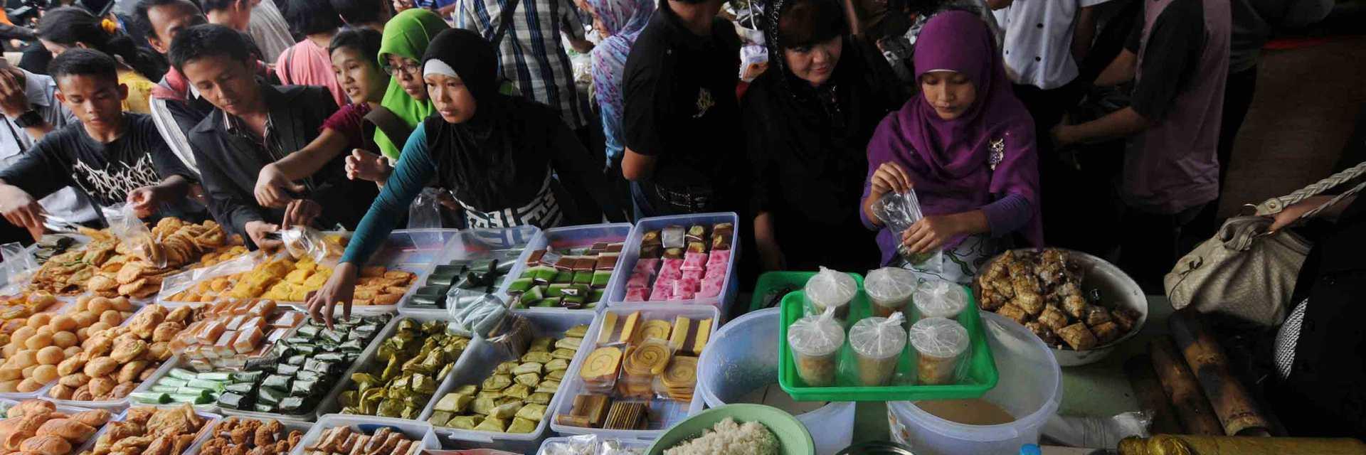 4 Tempat Berburu Takjil Paling Legendaris di Yogyakarta 4 Tempat Berburu Takjil Paling Legendaris di Yogyakarta - Dolan Dolen