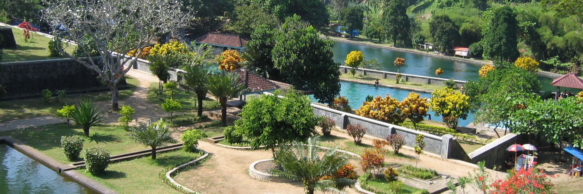 8 Wisata Bersejarah Mataram 8 Wisata Bersejarah Mataram - Dolan Dolen
