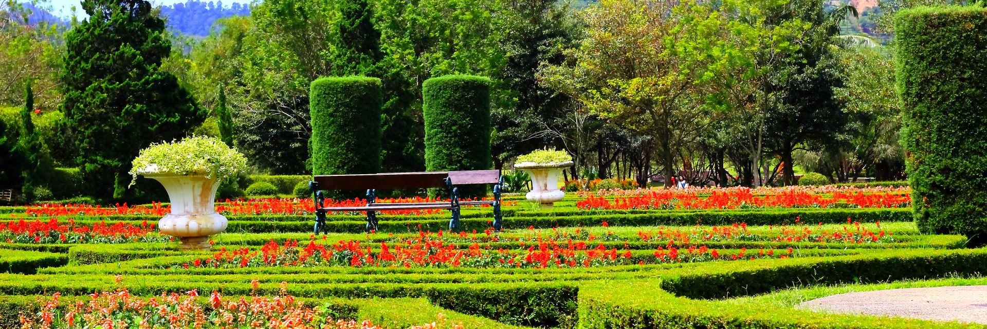 Berpetualang ke 5 Negara di Taman Bunga Nusantara Bogor Berpetualang ke 5 Negara di Taman Bunga Nusantara Bogor - Dolan Dolen