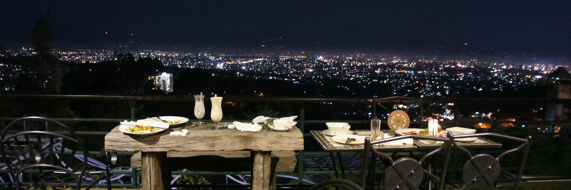 8 Kuliner Outdoor Keren yang Layak Dicoba di Bandung