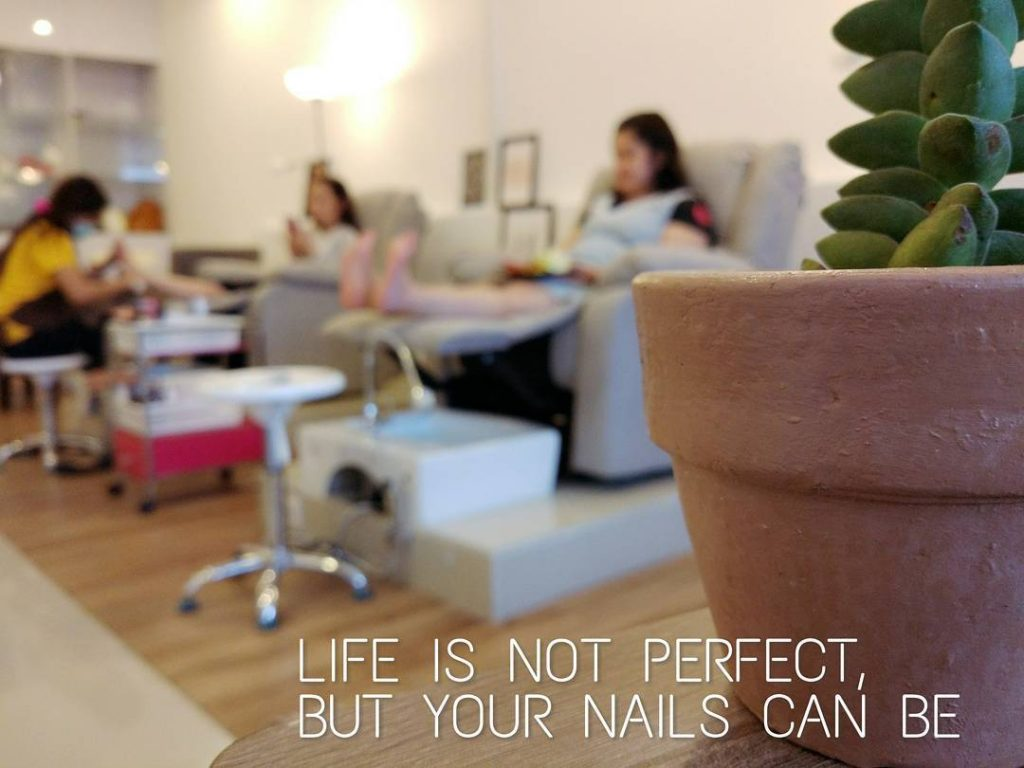 Maven Nail Boutique and Cafe