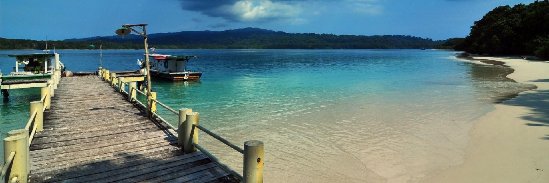 Menjelajahi Pulau Peucang di Banten Dijamin Bisa Mengalihkan Fikiranmu dari Si Dia yang Tak Setia
