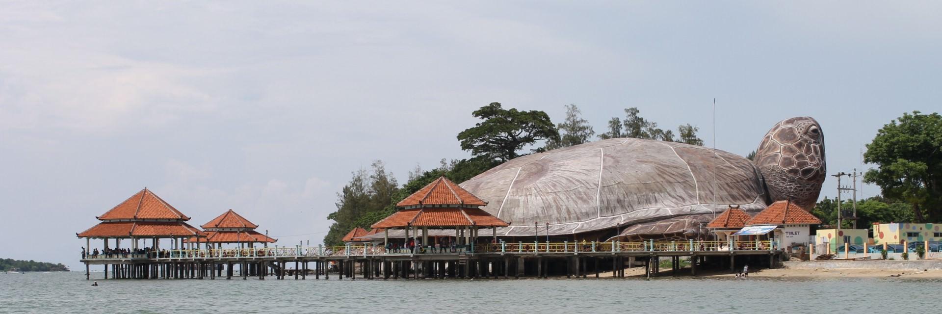 Pantai Kartini Jepara Wisata di Kota Sang Pejuang Pantai Kartini Jepara Wisata di Kota Sang Pejuang - Dolan Dolen