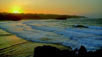 Pantai Krakal Pantai Krakal Sunrise 355x200 - Dolan Dolen
