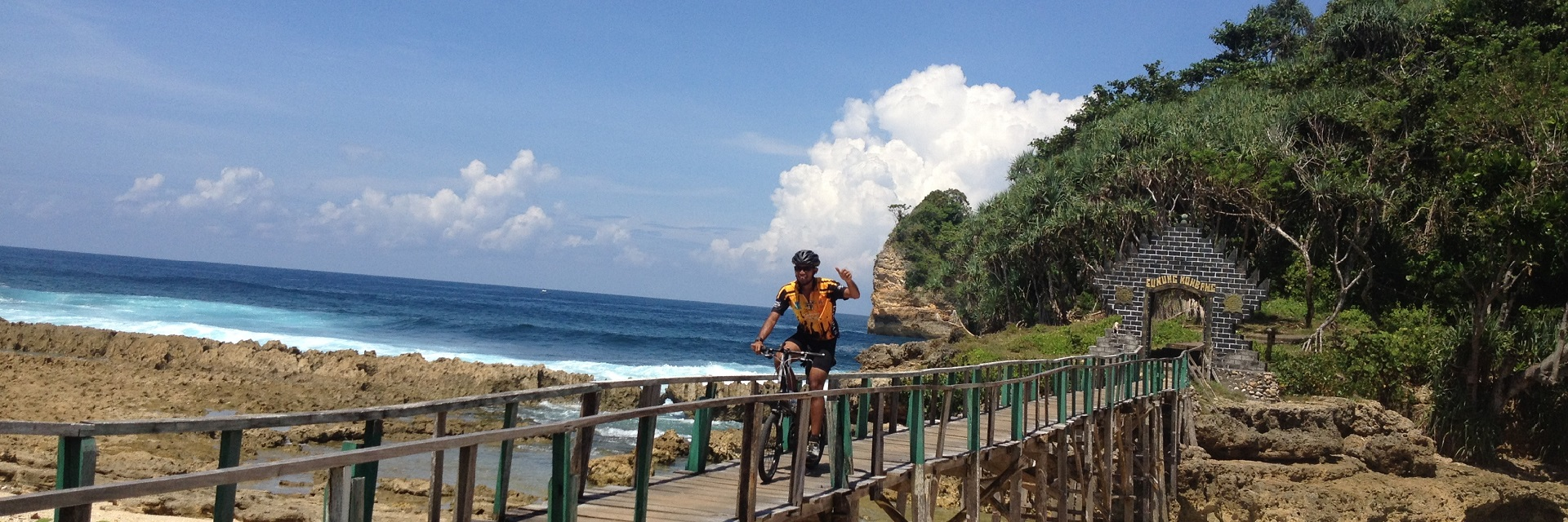 Pantai Malang, Malang, Kota Malang, Dolan Dolen, Dolaners Pantai Malang via BAGUS GOWES - Dolan Dolen