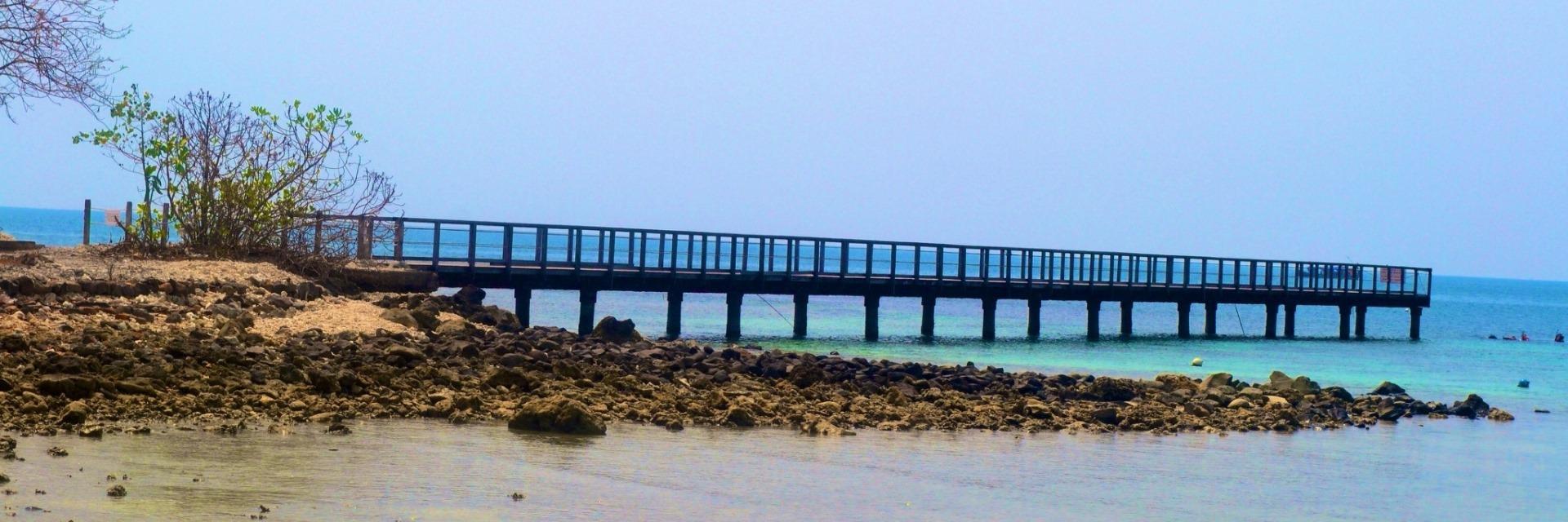 Di Pantai Tanjung Lesung, Kamu Bisa Membuang Kenangan Manismu Bersama Dia yang Telah Berkhianat