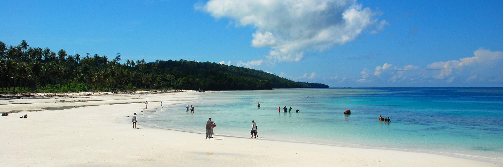 Pantai Wedi Putih via ELFIDA LUBIS Pantai Wedi Putih - Dolan Dolen