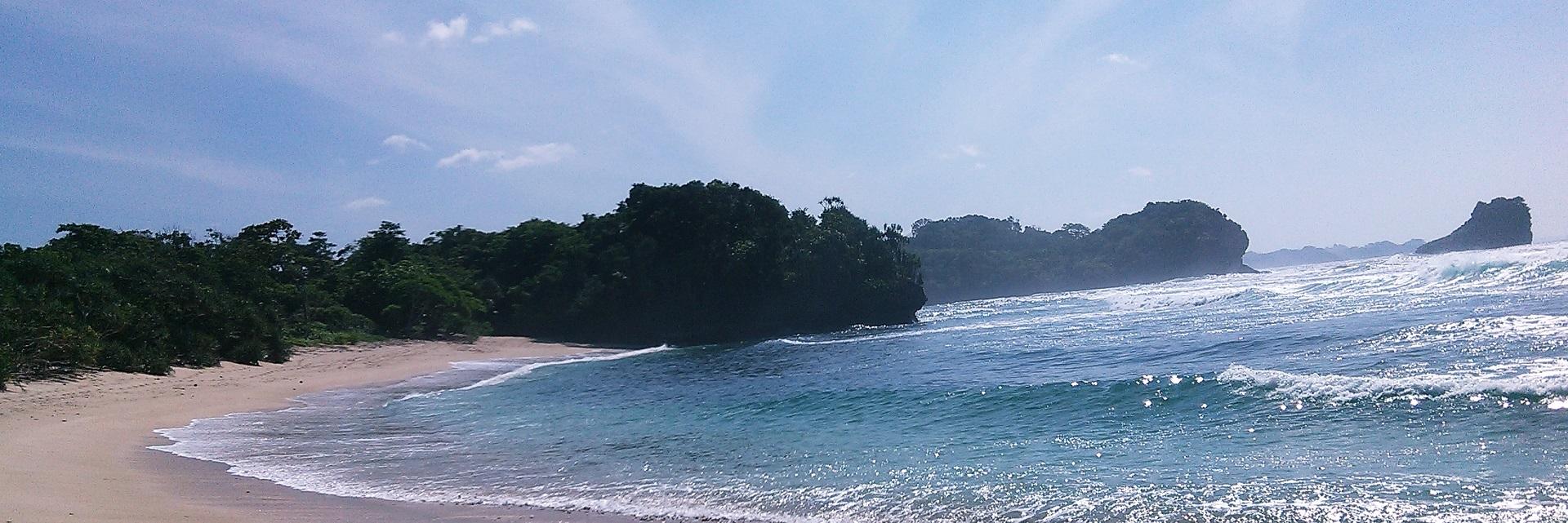 Yuk ke 7 Pantai di Kabupaten Malang Ini! Cuma Sekali Jalan, Kok...