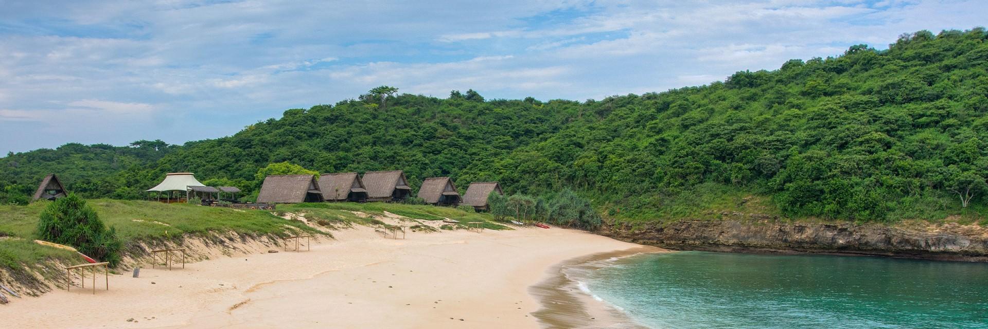 Pulau Esme Bisa Kamu Rasakan di Jeeva Beloam Beach Camp Pulau Esme Bisa Kamu Rasakan di Jeeva Beloam Beach Camp - Dolan Dolen