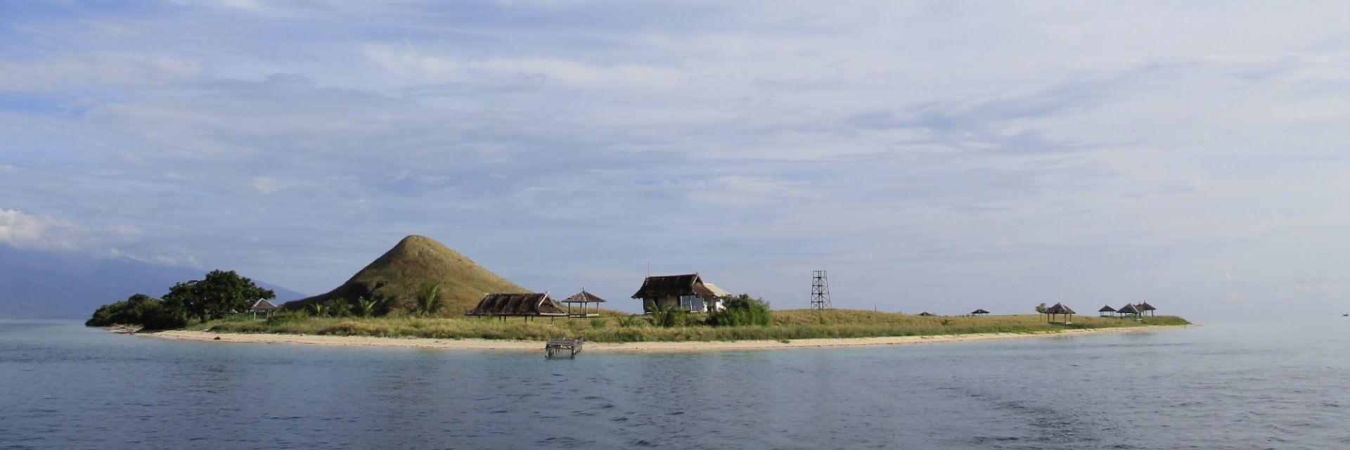 Pulau Kenawa, Orang Ketiga Diantara Lombok dan Sumbawa yang Cantik Mempesona