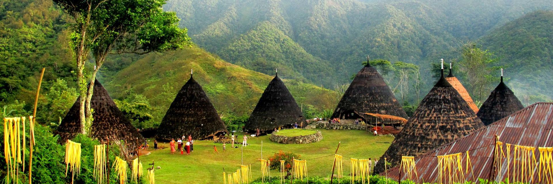Menjelajahi Wae Rebo, Desa Menakjubkan yang Sudah Mendunia Sebelum Dikenal di Negaranya Sendiri
