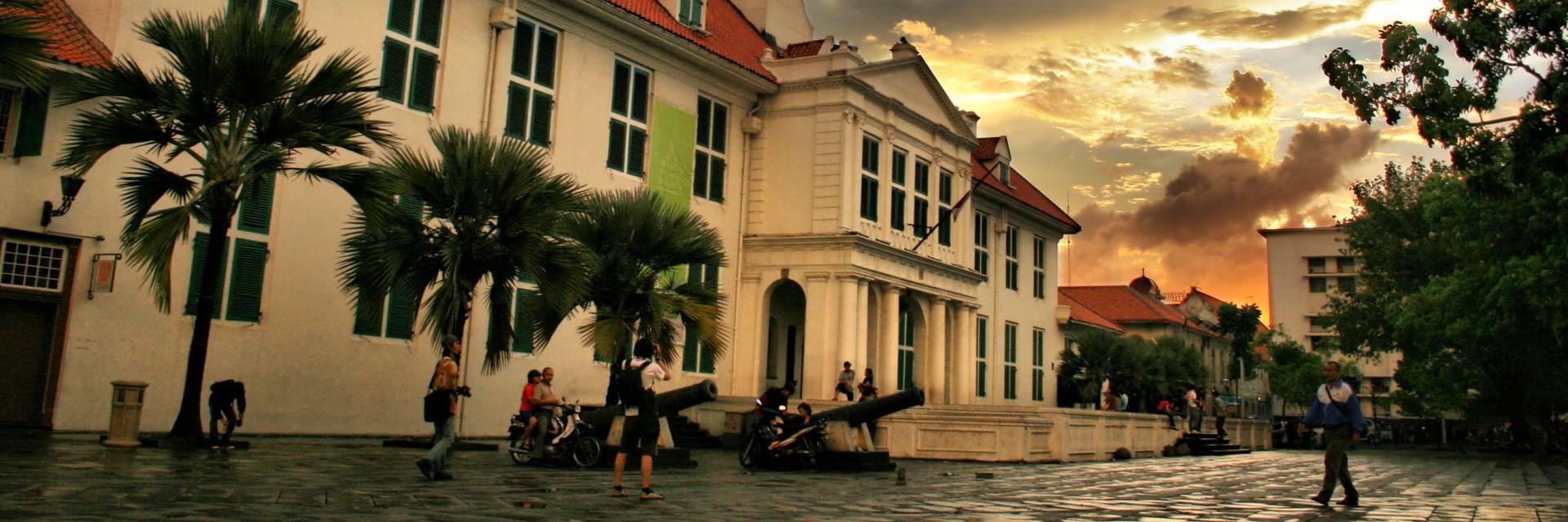 Wisata Bangunan Bersejarah Jakarta Wisata Bangunan Bersejarah Jakarta - Dolan Dolen