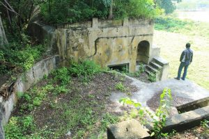 Benteng Kedung Cowek benteng kedung cowek via tikuskeluyuran - Dolan Dolen