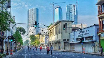 Jalan Tunjungan Surabaya tunjungan street 356x200 - Dolan Dolen